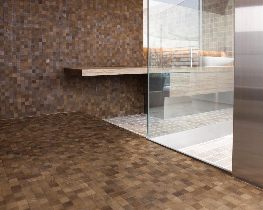 end grain pattern in bathroom
