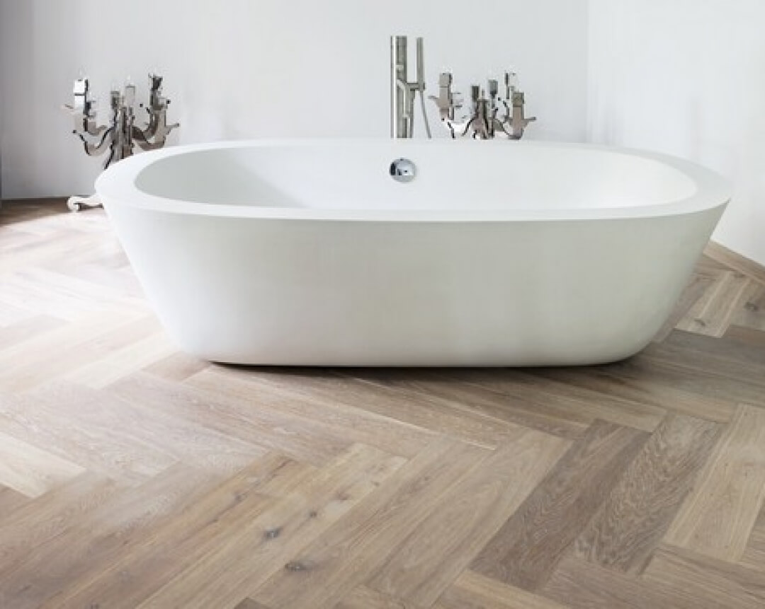 Herringbone Pattern Oak Floor in the Bathroom