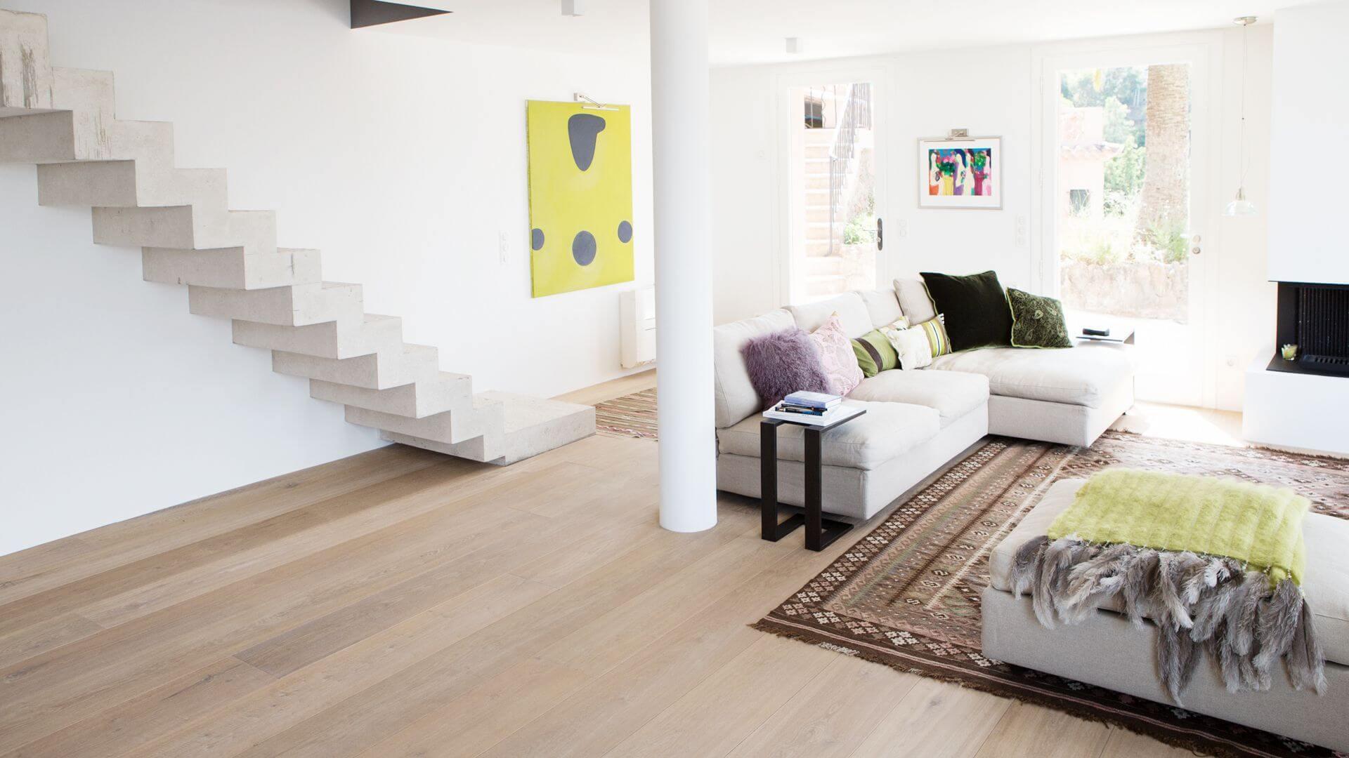 straight pattern engineered oak floor in spain