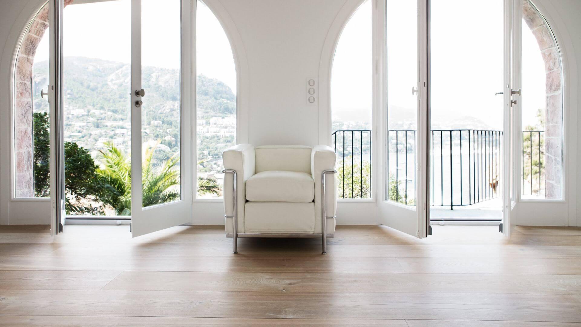 white plank flooring