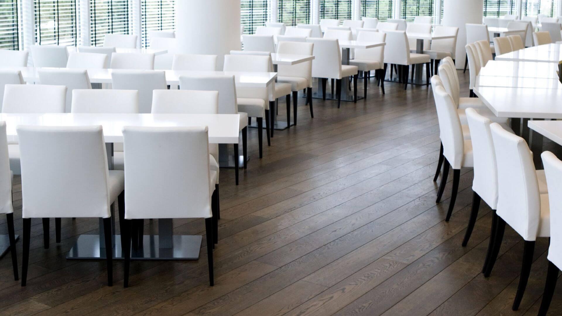 wood flooring in restaurant in amstelveen