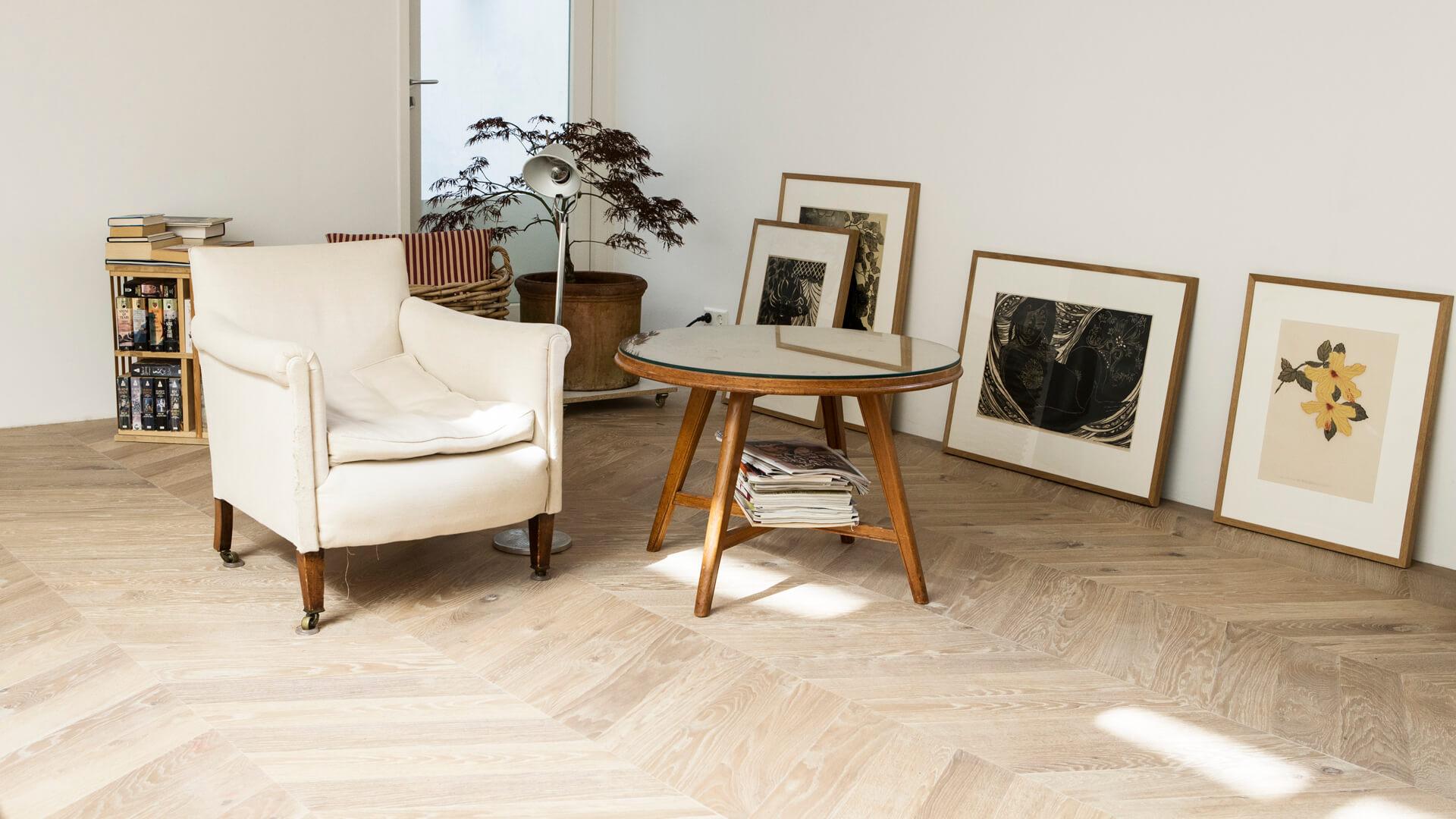 Wood Flooring with Underfloor Heating by Uipkes