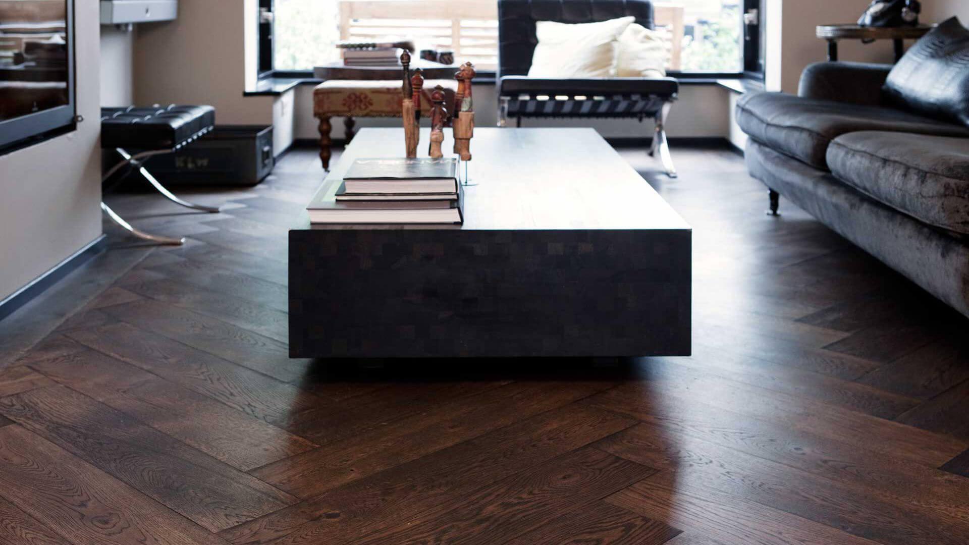 oak wood herringbone floor