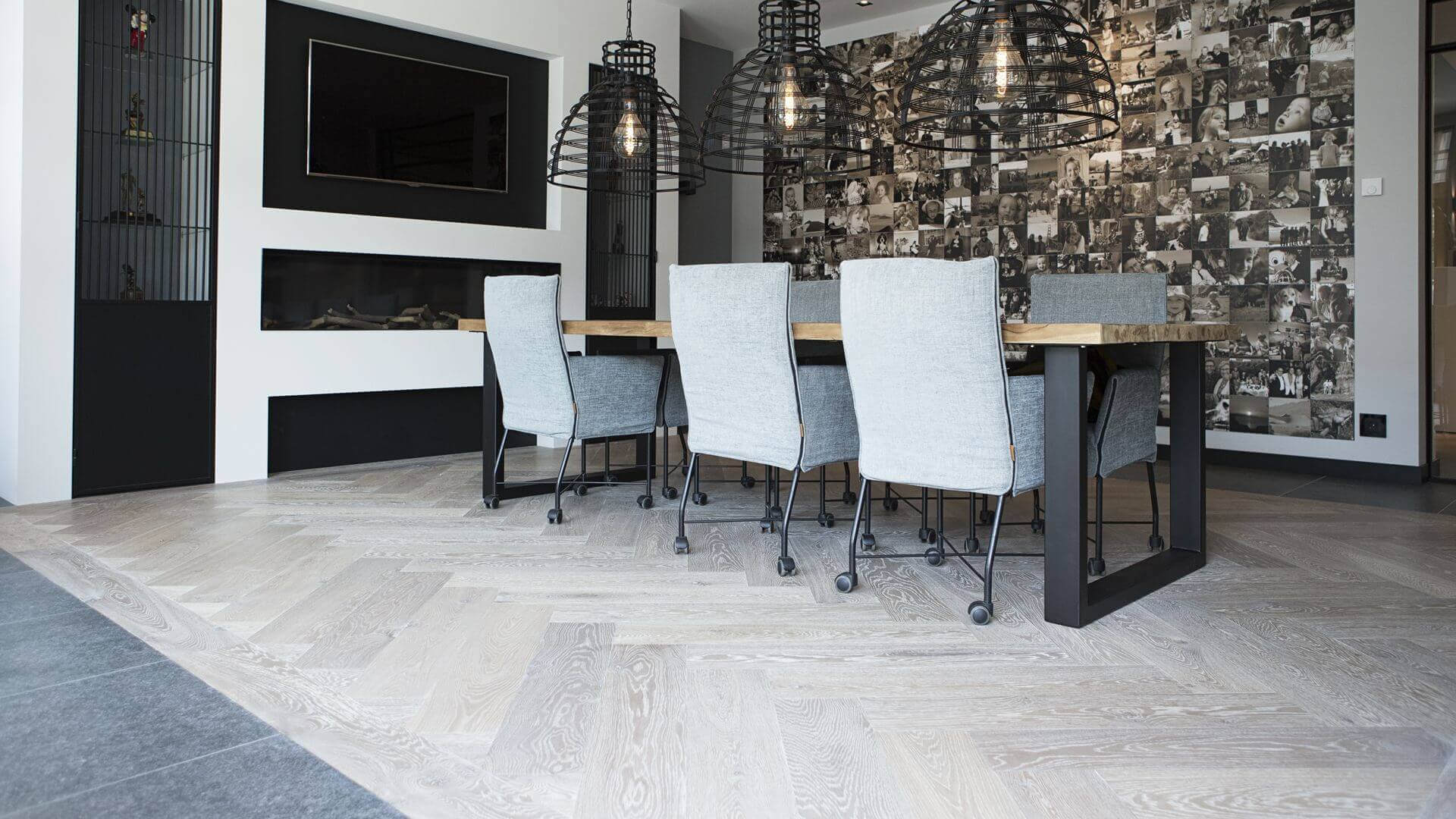 Underfloor heating is a pleasure and a warming experience, especially in combination with the naturel feeling of wood. Fortunately, wooden floors and underfloor heating have been a great combination for years!