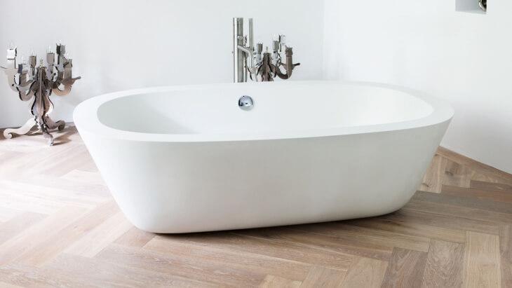oak wood herringbone floor bathroom amsterdam