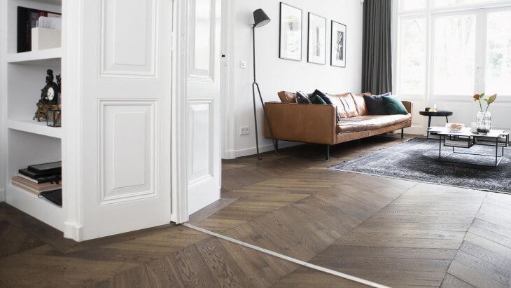 brown chevron floor in utrecht